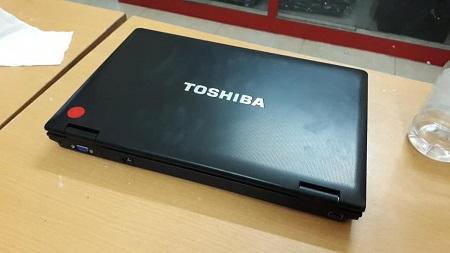 Bán Laptop cũ Toshiba s850 core i3