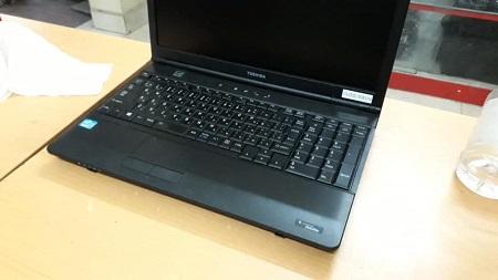 Bán Laptop Toshiba s850 cũ tại hà nội